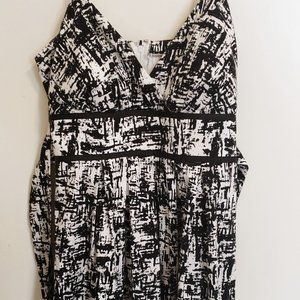 Women's black and white summer dress